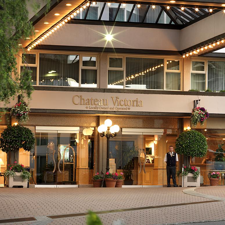 Cau Victoria Hotel Suites Bc