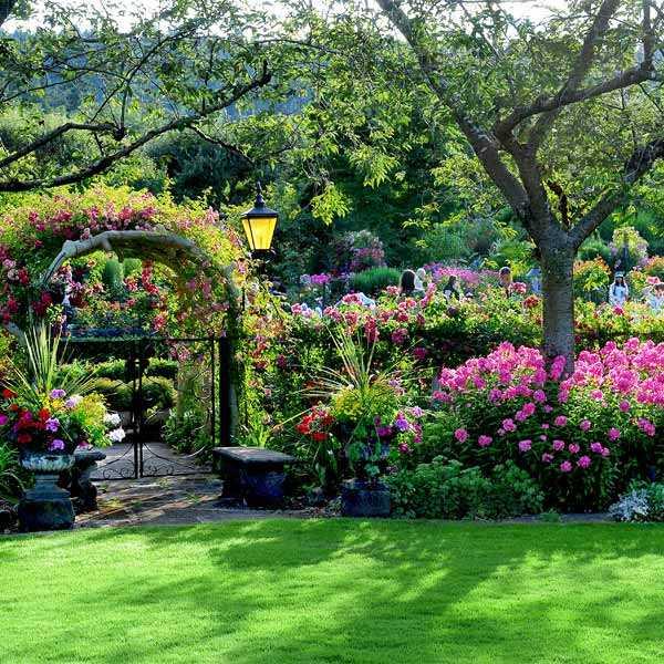 Victoria - The Butchart Gardens P1b978i9na8ce19nr1631ut012qn4