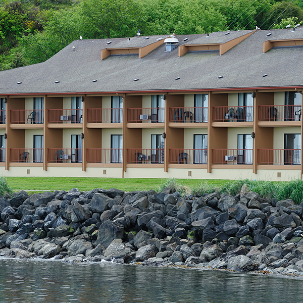 Red Lion Hotel With Ferry